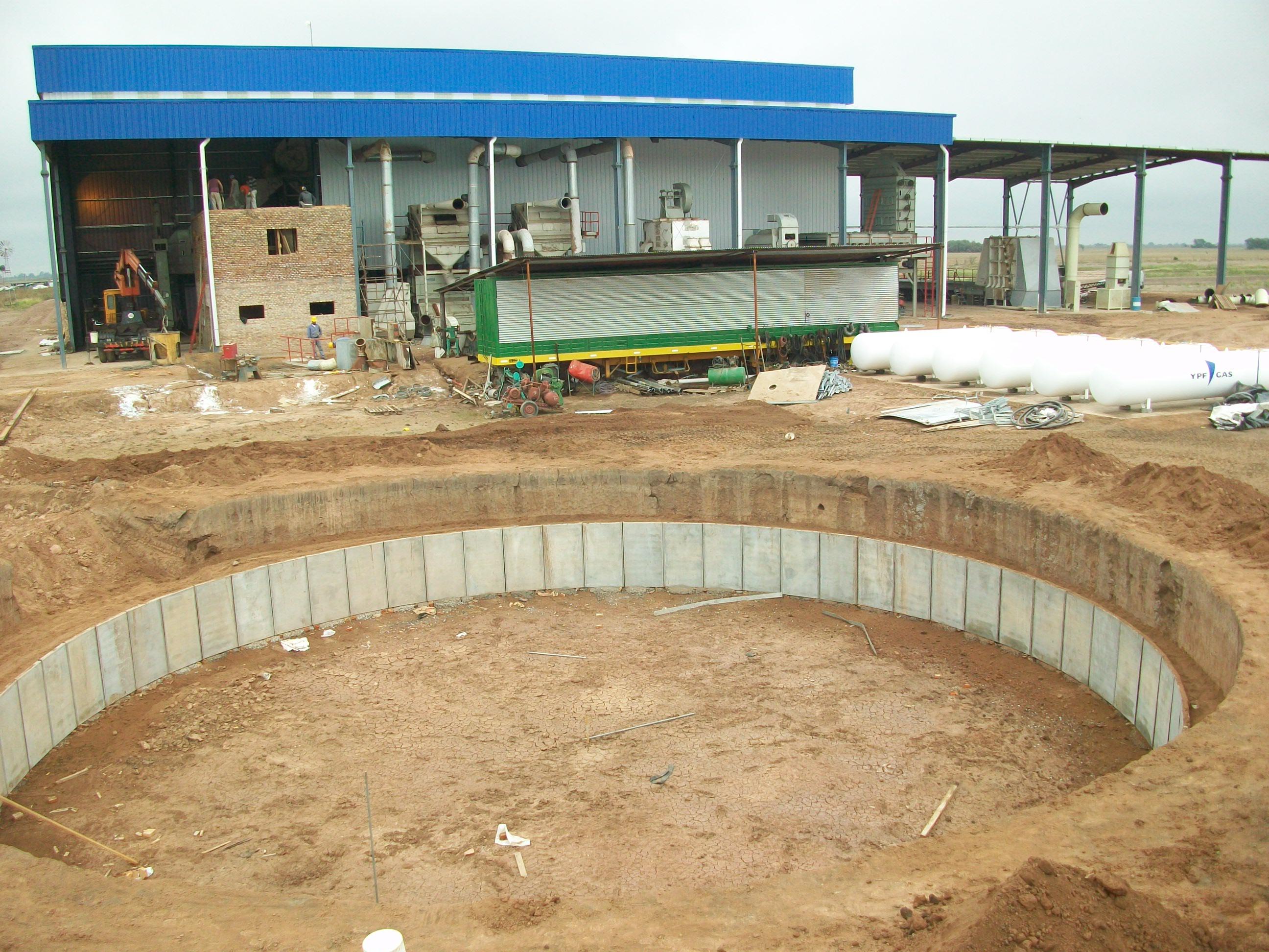 Culzoni construcciones tanques australianos for Costo de piletas de hormigon